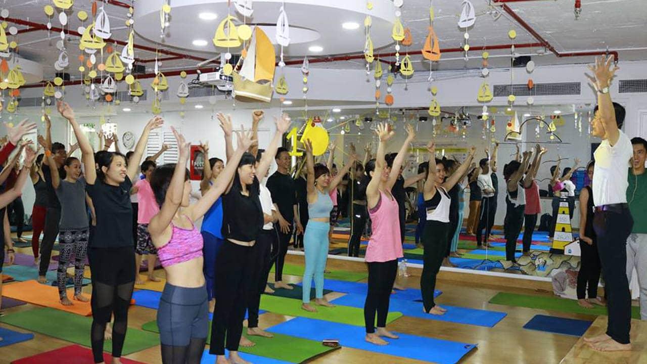 Một giờ học cơ bản tại Yoga và Thiền trái tim vàng Nha Trang