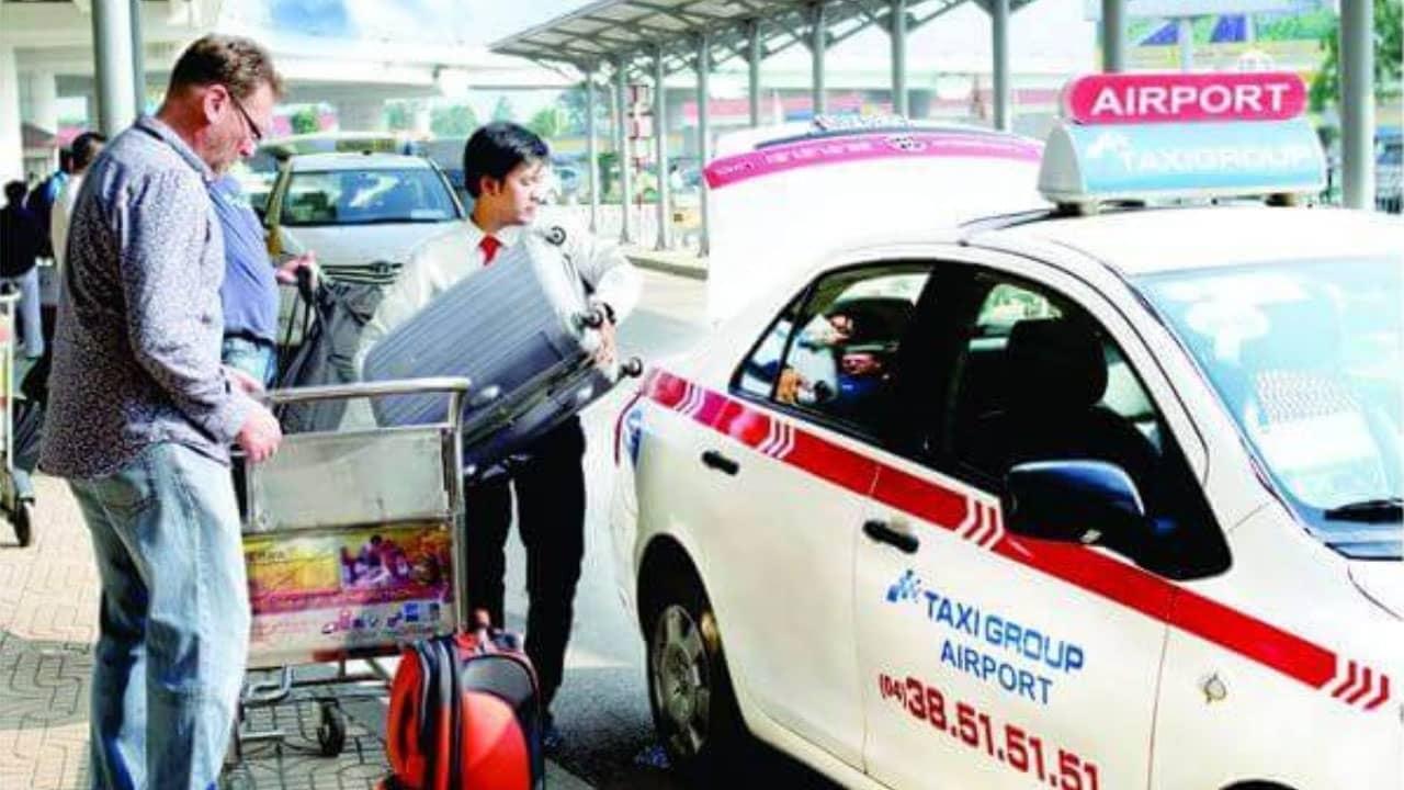 Đón taxi để về trực tiếp tới địa chỉ homestay 1986 là cách dễ rất dành cho các mem mới đến Đà Nẵng