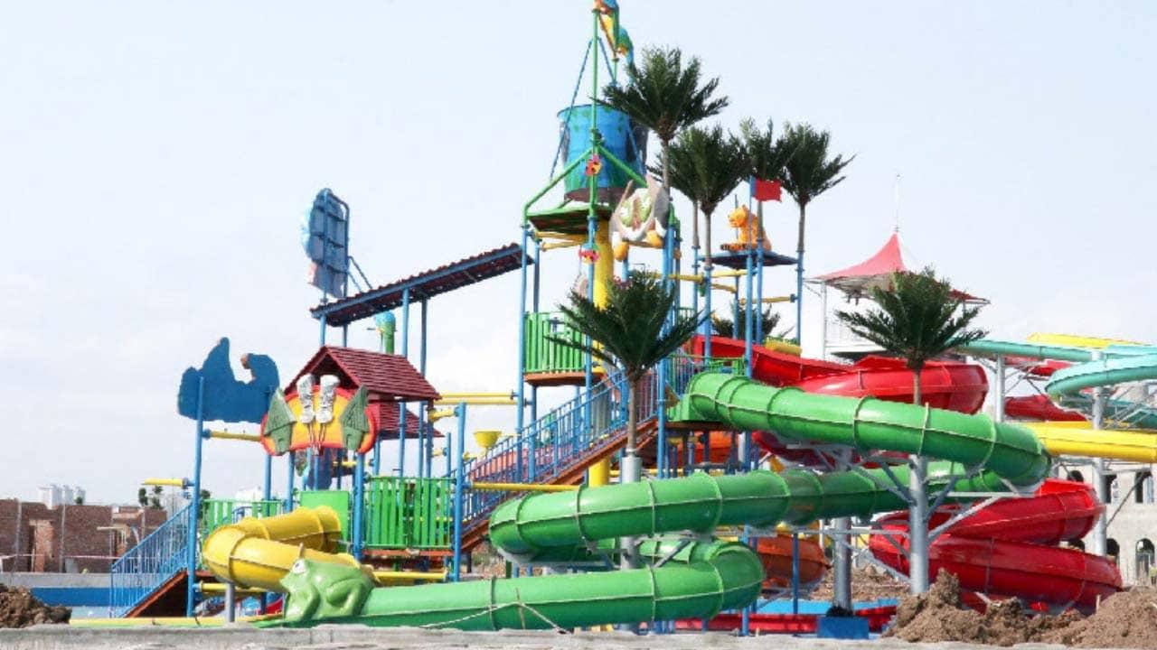 Vòng xoáy khổng lồ - trò chơi hấp dẫn tại công viên nước Thanh Hà