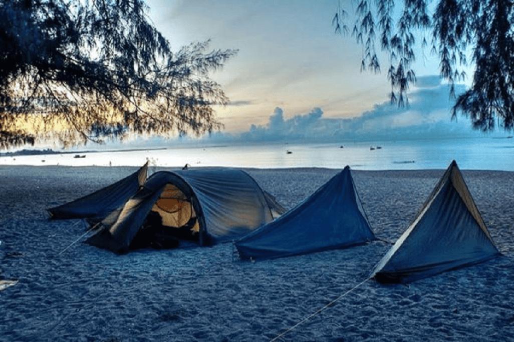 Đây là địa điểm cực lý tưởng để bạn cắm trại tránh nắng và tận hưởng không khí yên bình, trong lành