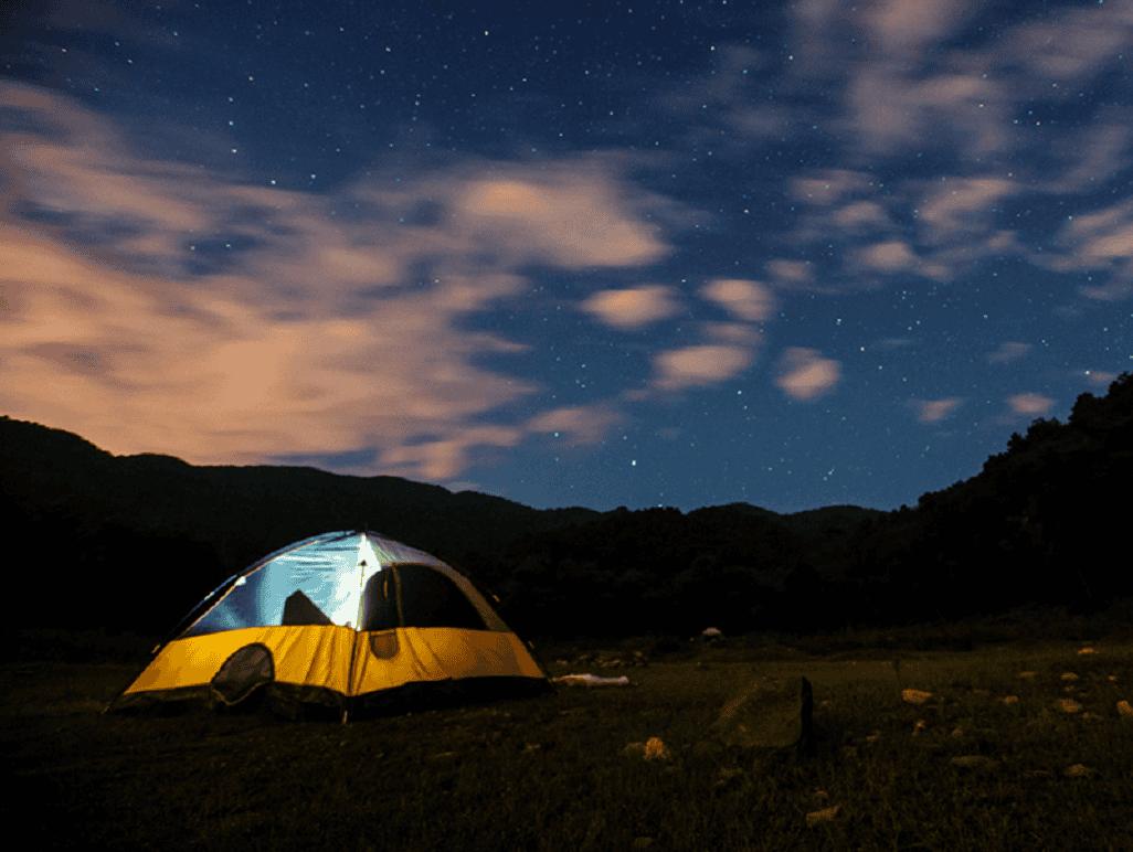 Bầu trời Hồ Cốc về đêm đẹp như một bức tranh