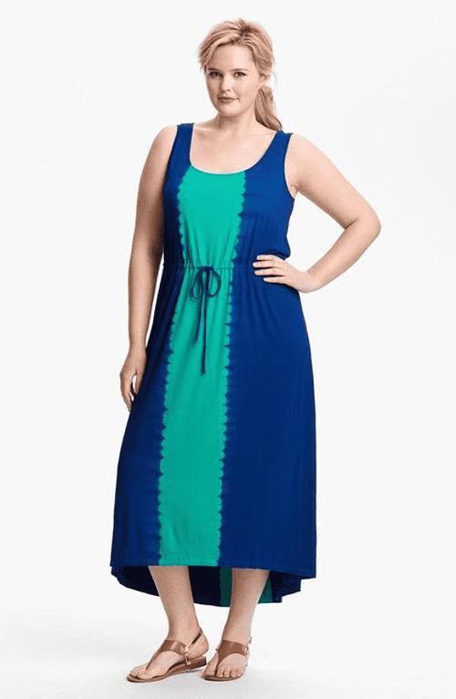 """Chiếc váy có họa tiết sọc dọc tạo """"ảo giác"""" cho người đối diện để giúp bạn trông thanh mảnh và gọn gàng hơn. Chắc chắn đây sẽ là sự lựa chọn lý tưởng có các nàng béo"""