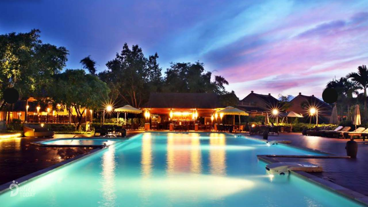 emeralda-resort-ninh-binh-pool-bar