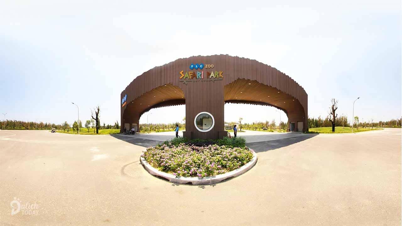 Cổng lớn của FLC Zoo Safari Park Quy Nhơn