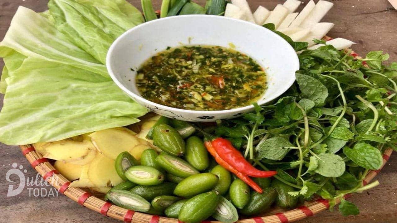 Bắp cải cuốn nhót Điện Biên - món đặc sản ăn vặt được du khách thập phương yêu thích