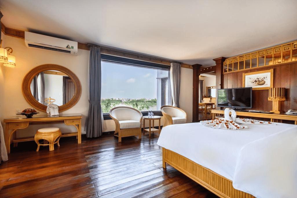 Phòng ngủ ấm cúng và rộng rãi