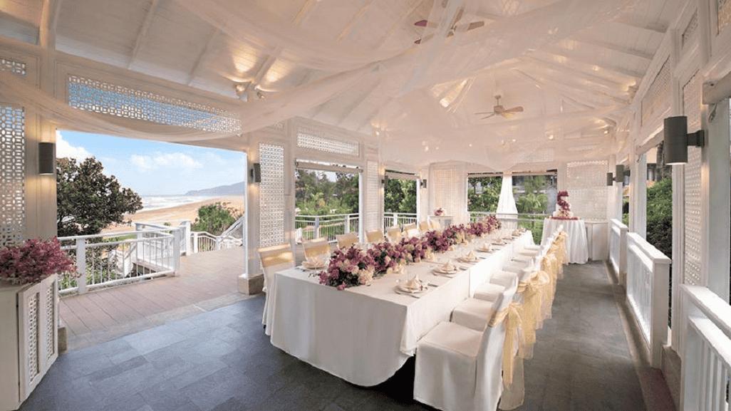 Kỳ nghĩ lãng mạn hay tổ chức tiệc cưới cũng là một ý tưởng hoàn hảo tại nơi này