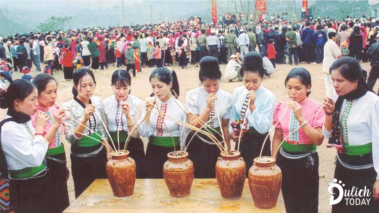 Rượu cần - nét văn hóa truyền thống của người Thái từ xưa