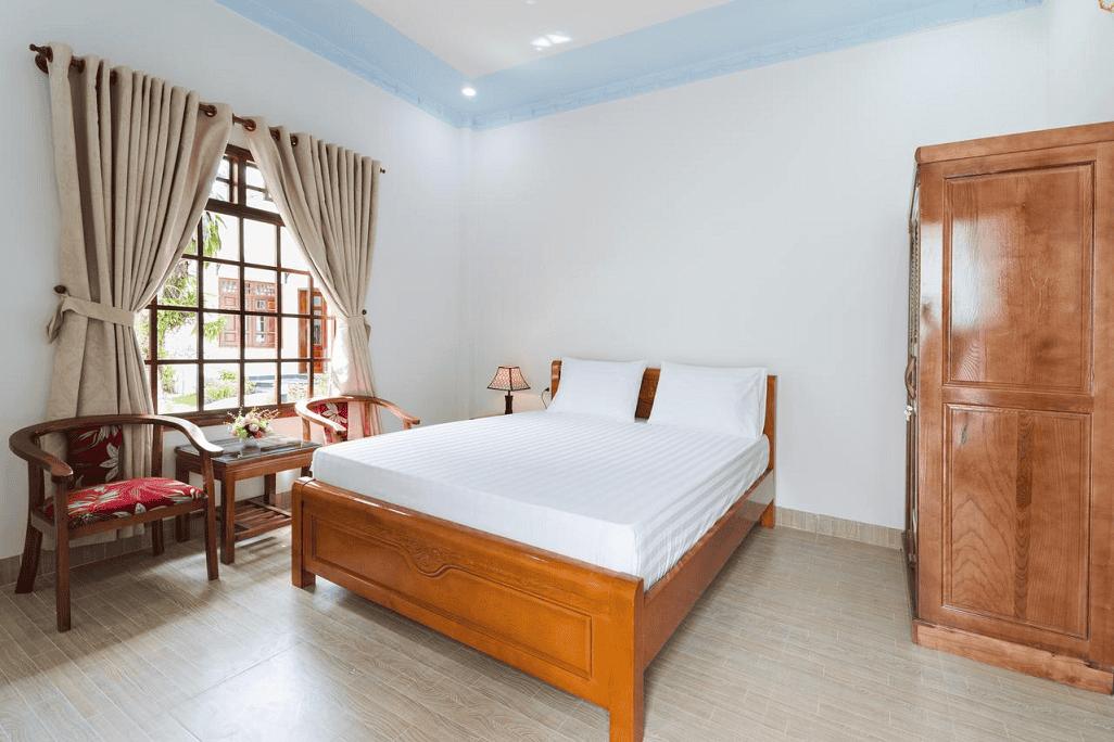 Phòng ngủ đơn giản, sạch sẽ