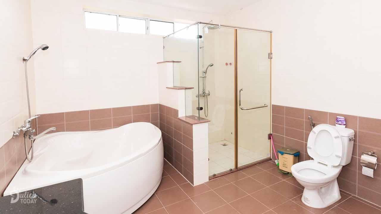 Phòng tắm xông hơi massage tại villa Đà Lạt Phương Giang