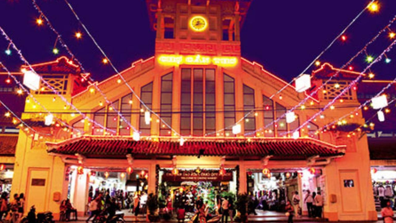 Chợ đêm Tây Đô - điểm du lịch Cần Thơ về đêm nổi tiếng