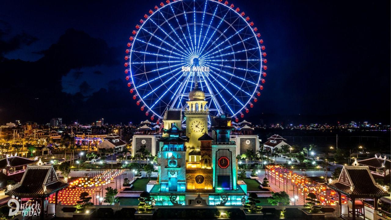 Sun Wheel tại Asia Park được coi là biểu tượng của Đà Nẵng. Nguồn: Internet