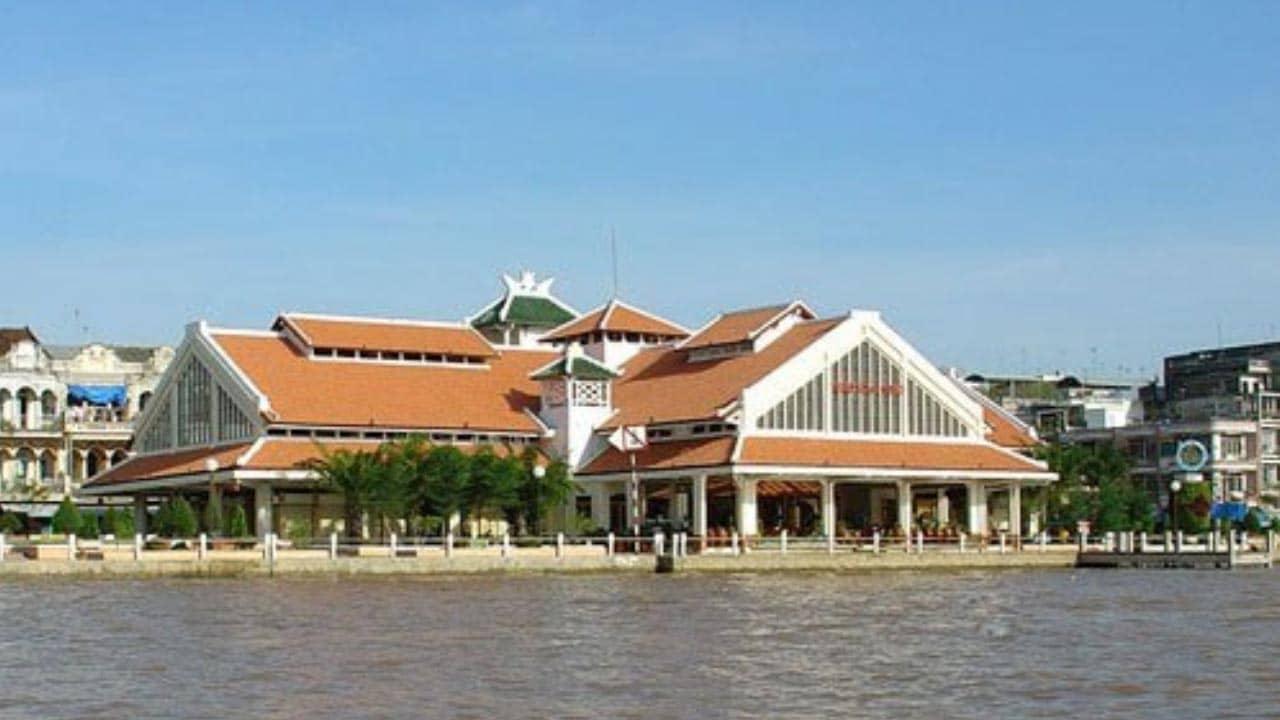 Chợ Cổ Cần Thơ nhìn từ bên kia sông Hậu