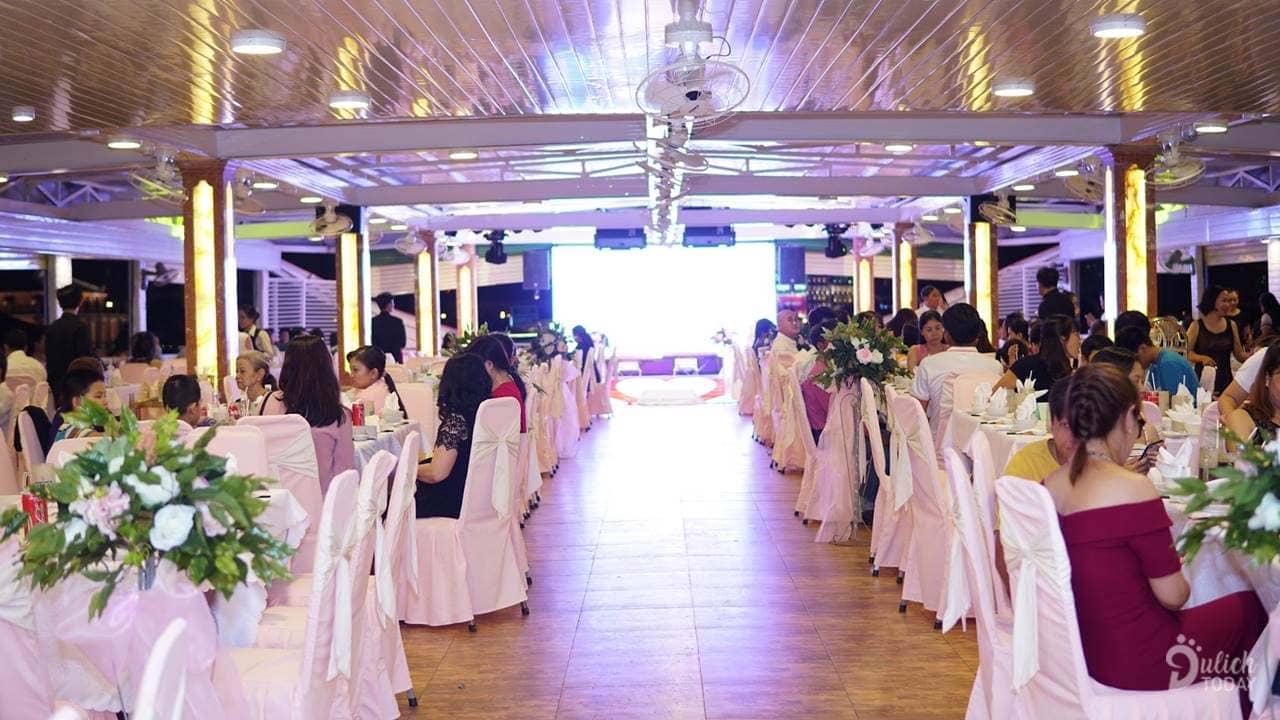 Tổ chức sự kiện trên tàu Bến Nghé
