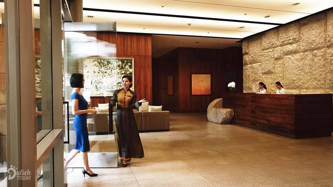 Sảnh đón khách tại khách sạn InterContinental Saigon