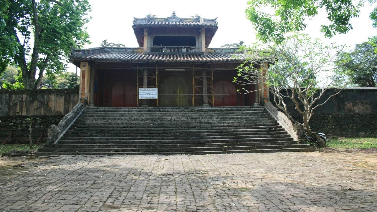 Lăng Đồng Khánh - địa điểm du lịch Huế