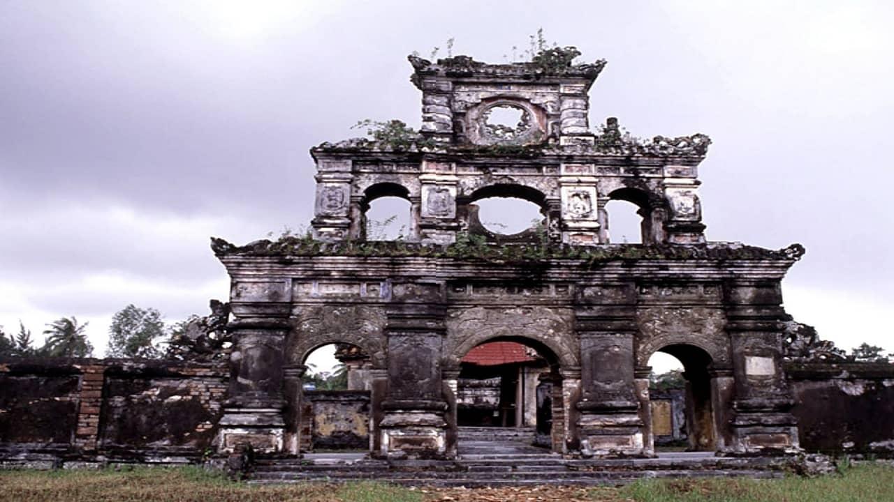 Lăng Dục Đức - địa điểm du lịch Huế