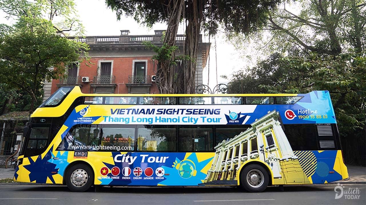 Vẻ ngoài nổi bật của xe buýt 2 tầng Hạ Long