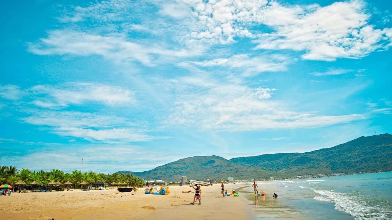Biển Mỹ Khê thuộc top 6 biển đẹp nhất hành tinh