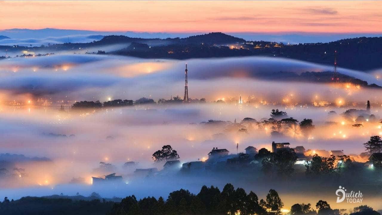 Đà Lạt - thành phố mờ sương là địa điểm du lịch 2/9 lãng mạn cho các cặp đôi