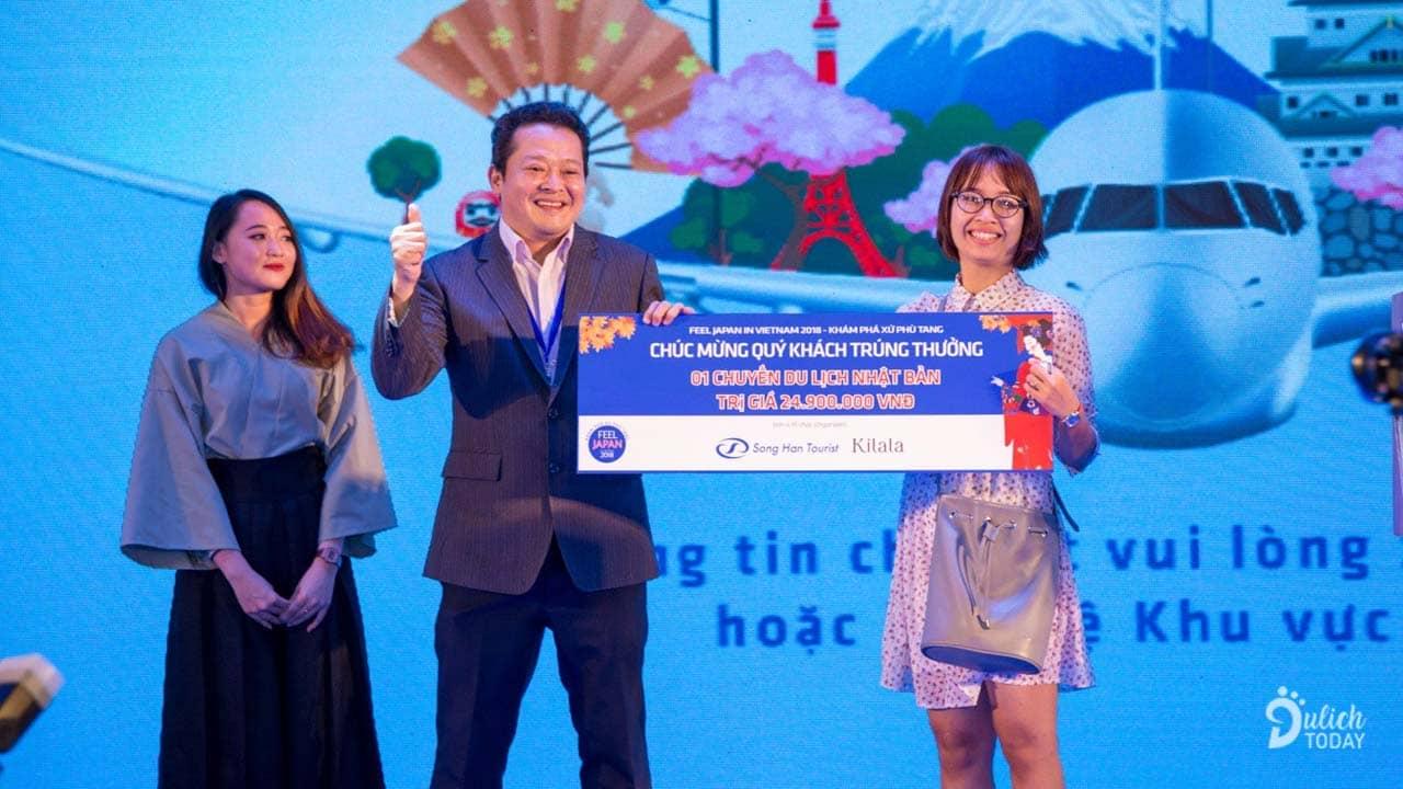 Lễ hội Japan in Vietnam mang đến cơ hội trúng 4 chuyến du lịch Nhật Bản miễn phí, mỗi chuyến trị giá khoảng 20 triệu đồng dành cho du khách