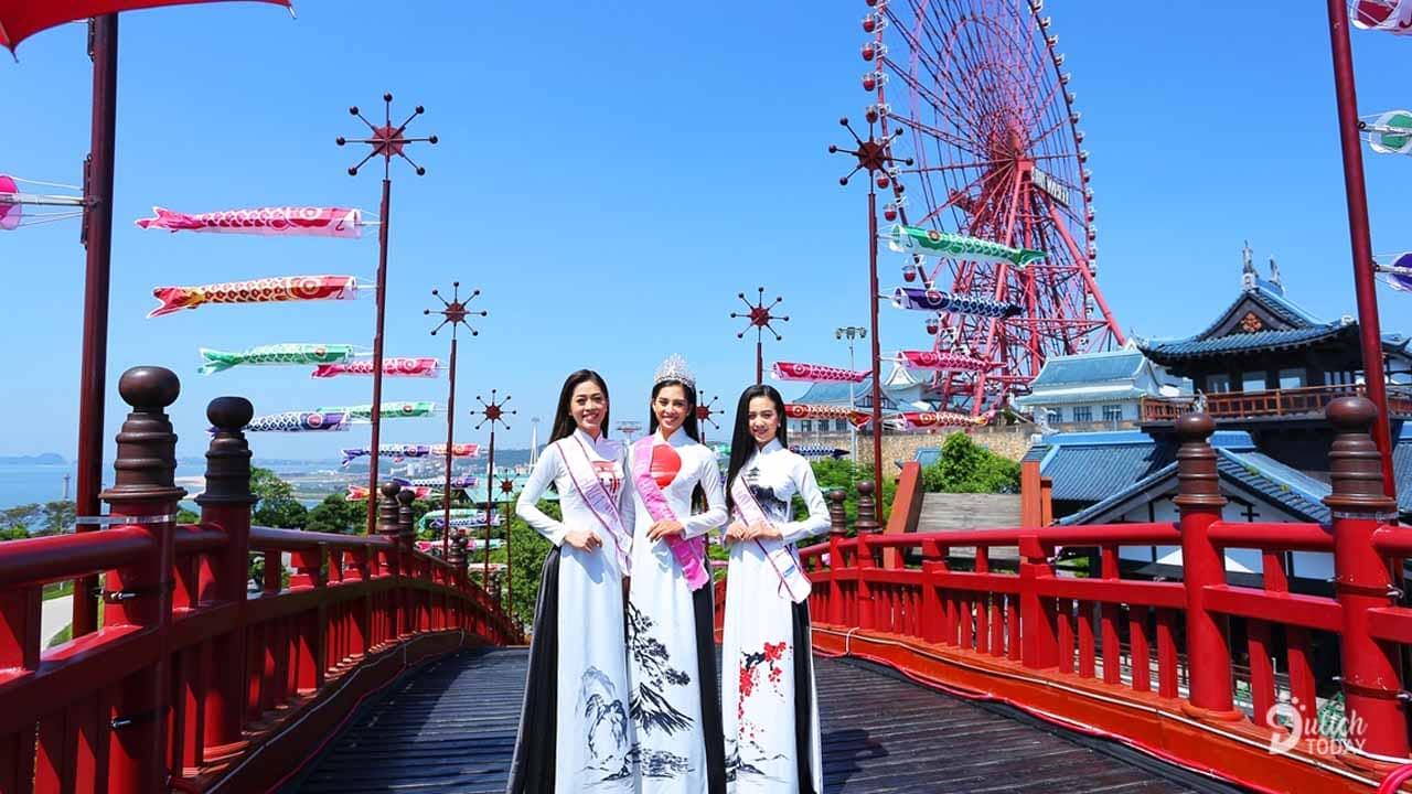 Cầu Koi thường ngày sẽ được trang điểm bởi những bông hoa bồ công anh thơ mộng trong Lễ hội Mặt trời mọc 2019 tại Sun World Halong Complex.