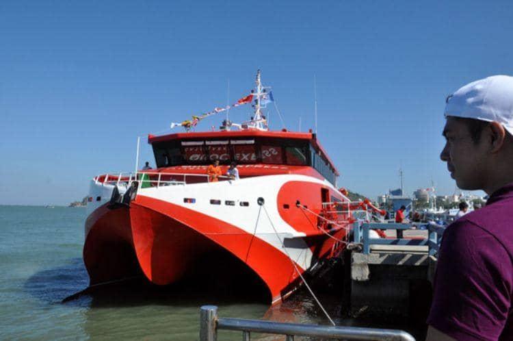 Đến bến tàu trước 45 phút để làm thủ tục