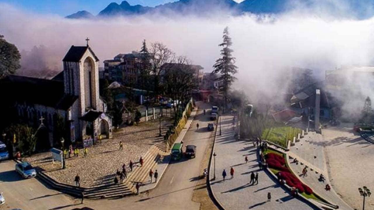 Tour Sapa từ Hồ Chí Minh đem đến cho du khách cơ hội ngắm nhìn Sapa mờ ảo trong sương sớm
