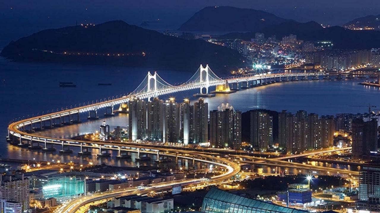 Chiêm ngưỡng thành phố biển Busan lấp lánh về đêm