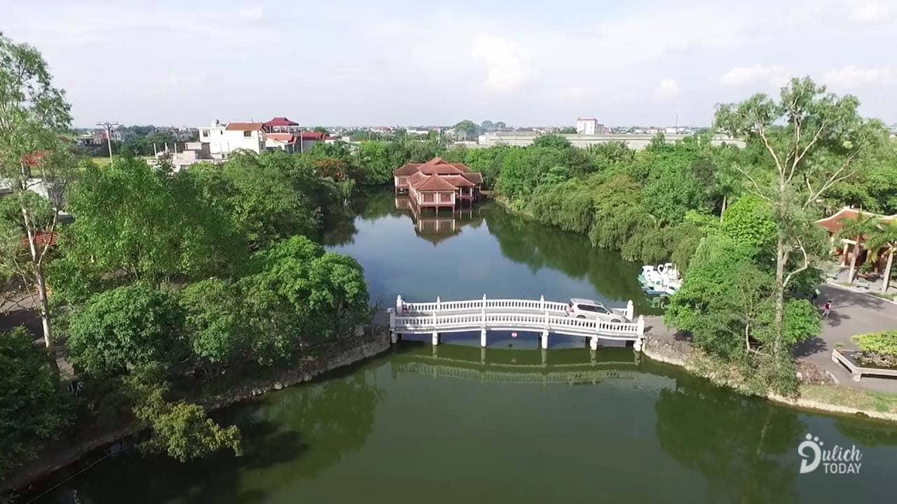 Hoàng Long Resort Thạch Thất rộng rãi có hồ nước và khuôn viên ngập tràn cây xanh