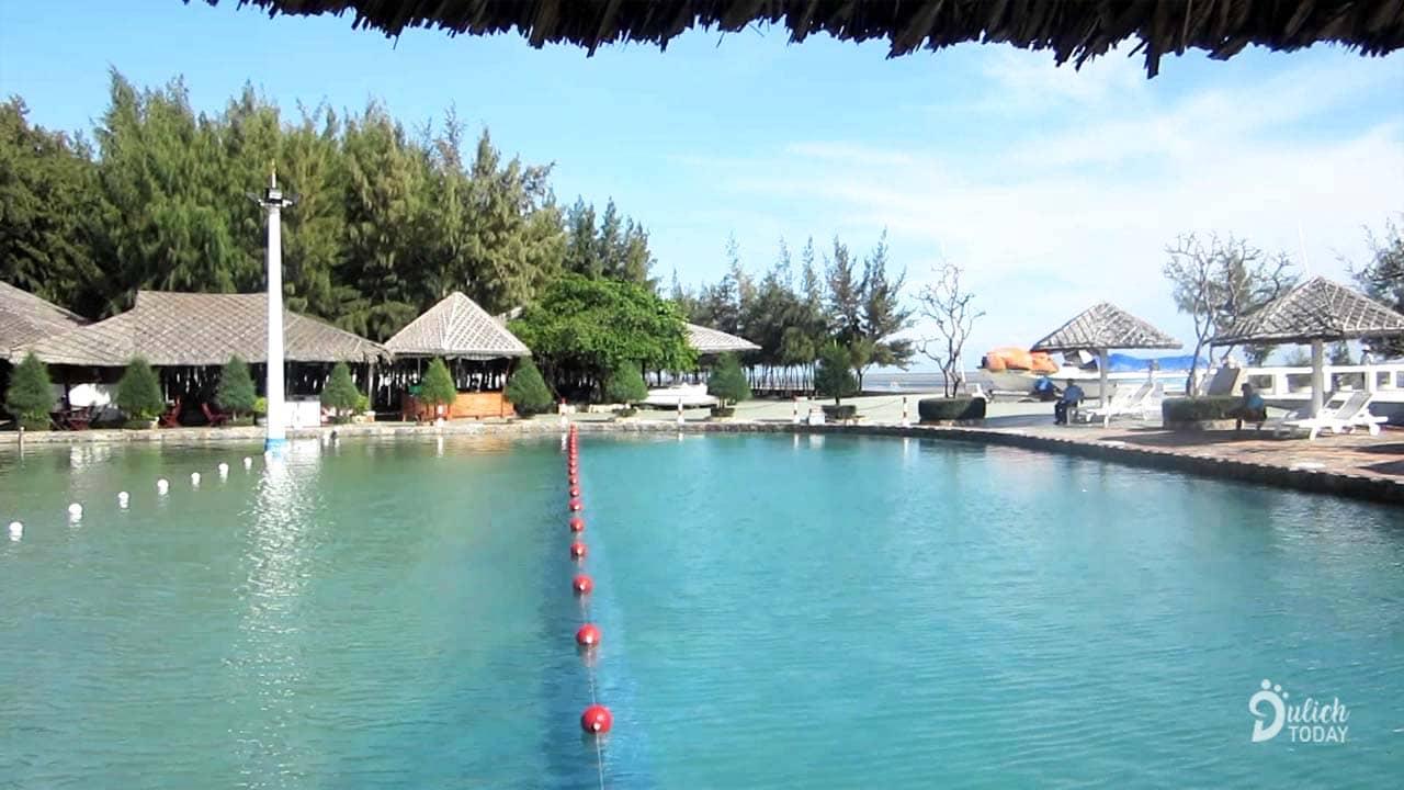 Hồ nước nước mặn và nước ngọt ở Phương Nam Cần Giờ Resort 3*