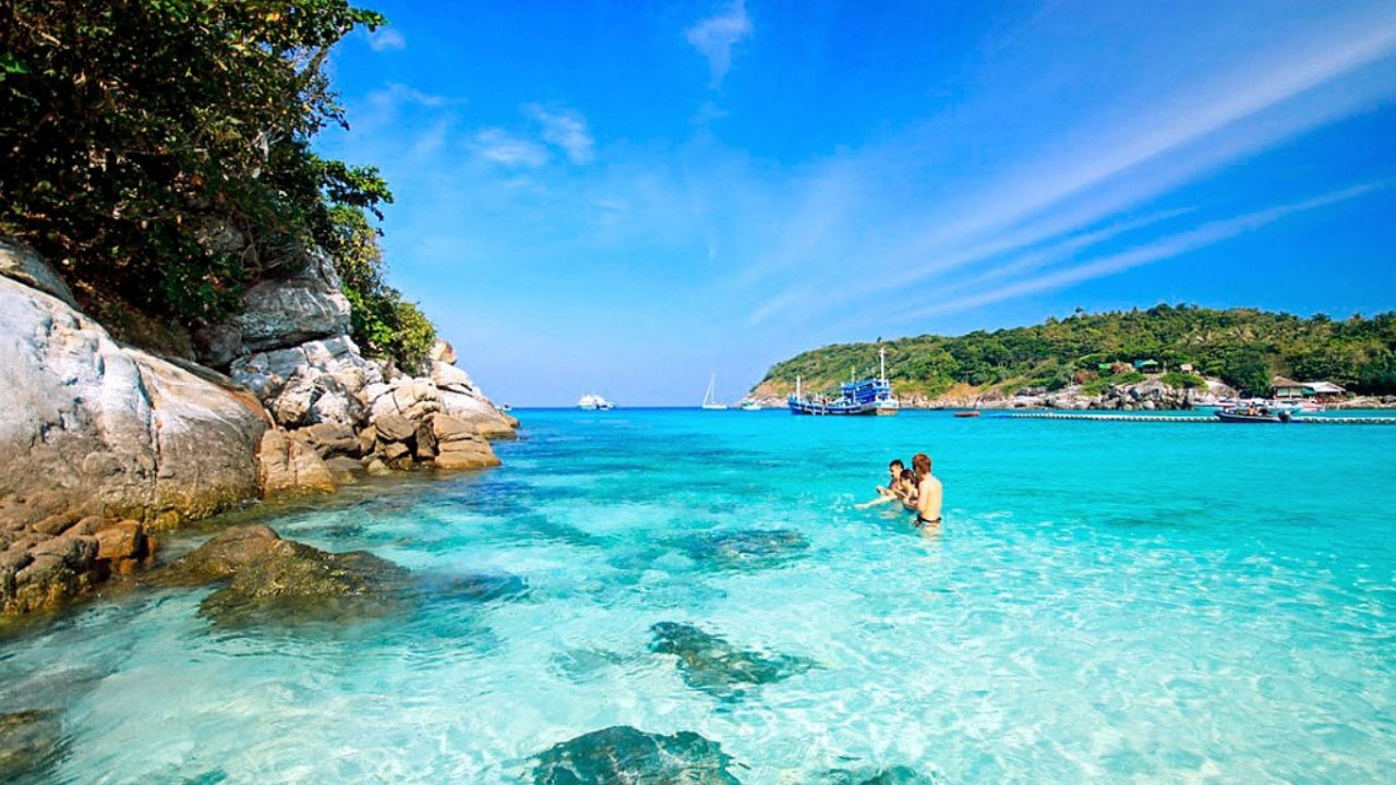 u khách sẽ đến Bãi Ông, Bãi Chồng - bãi biển đẹp nhất ở Cù Lao Chàm