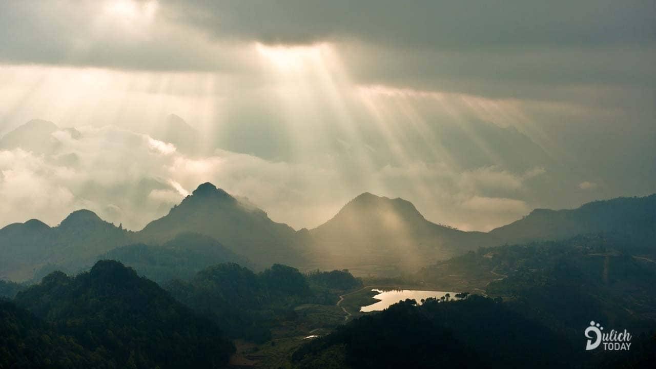 Địa điểm du lịch Hà Giang nổi tiếng Cổng trời Quản Bạ