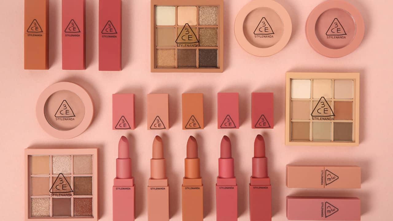Đồ makeup - sản phẩm quen thuộc với các tín đồ làm đẹp