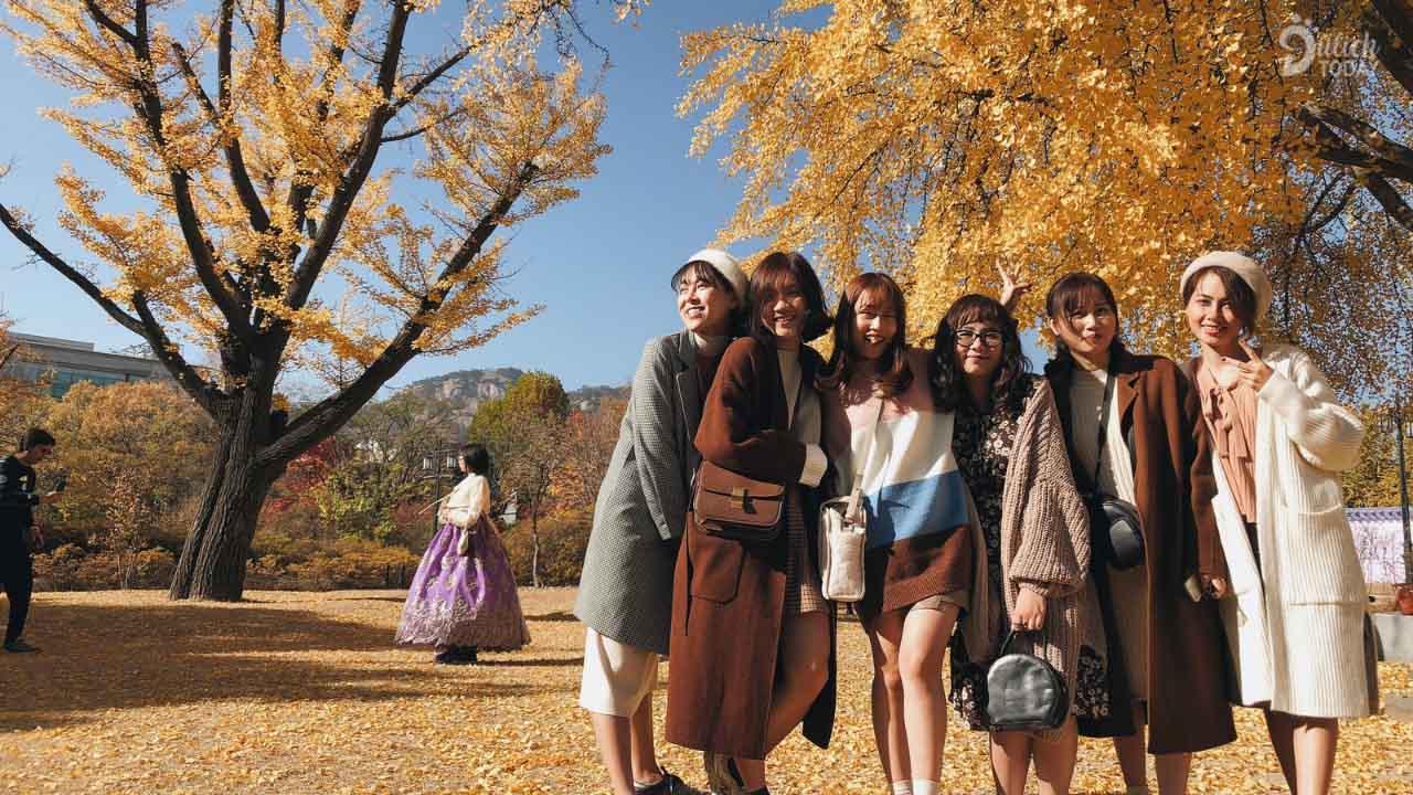 Du lịch Hàn Quốc tháng 10 phải chuẩn bị áo ấm đầy đủ