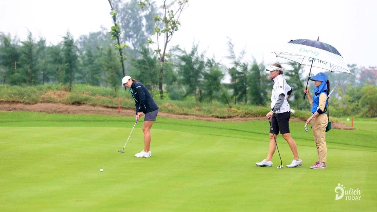 50 golfer xuất sắc nhất sẽ thi đấu dựa trên thể thức đấu gậy theo Handicap