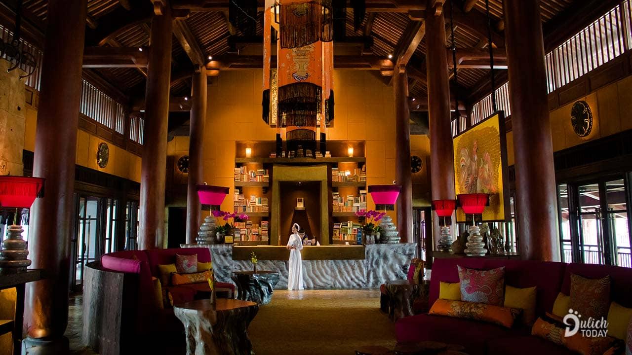 Không gian bên trong Legacy Yên Tử có thiết kế kiểu cung điện thời cổ đại