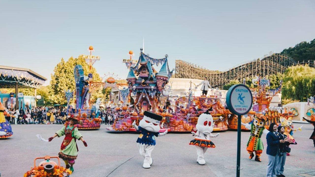 Các lễ hội trình diễn ngoài trời cực kỳ sôi động chỉ có tại tại công viên Everland