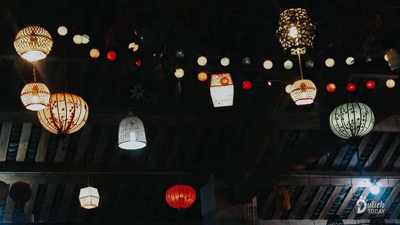 Đêm phố cổ Đồng Văn rực rỡ sắc đèn lồng