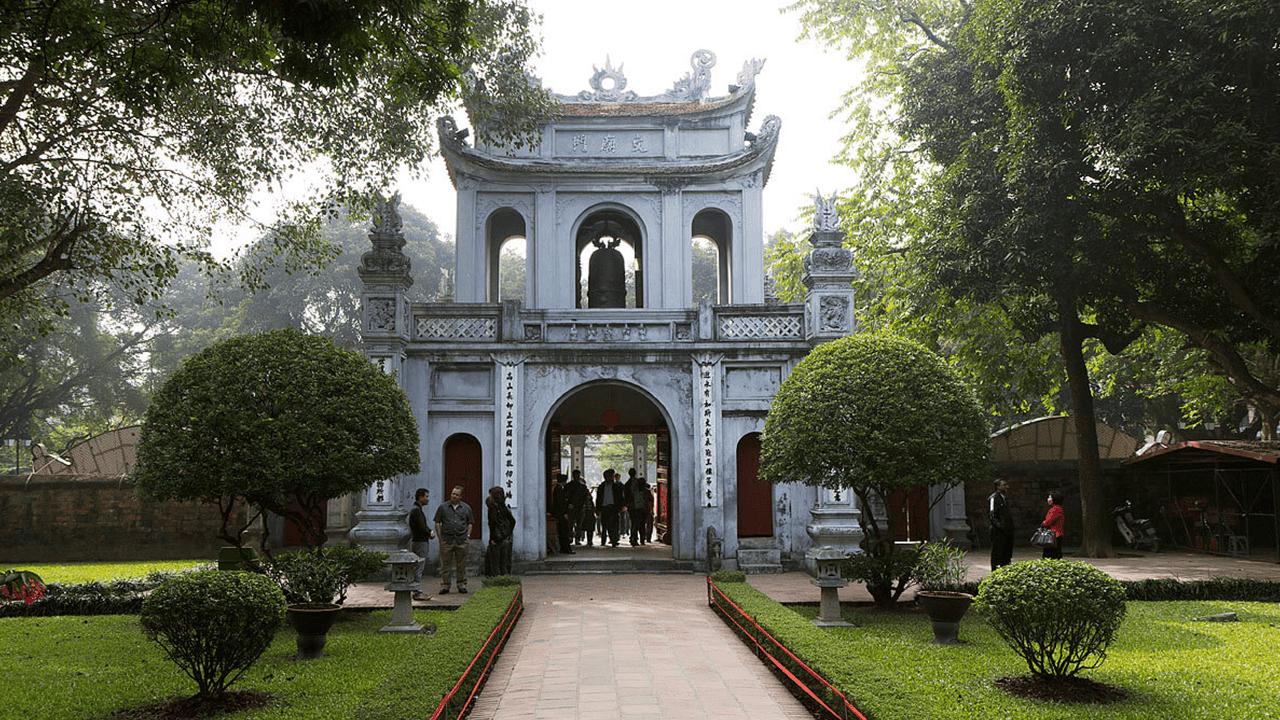 Văn Miếu Quốc tử Giám - địa điểm du lịch nổi bật trong city tour Hà Nội