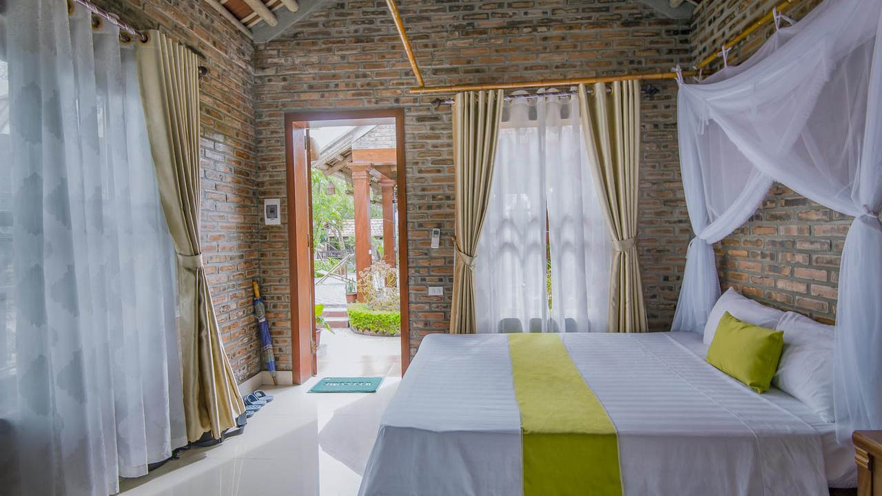 Phòng ngủ xinh xắn thoáng mát tại Tam Cốc Lake View Homestay