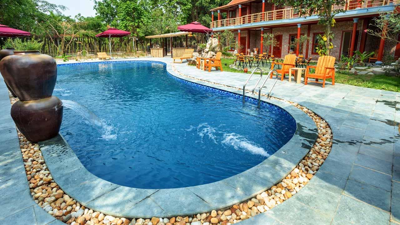 Thỏa thích tại bể bơi của Lavender Homestay