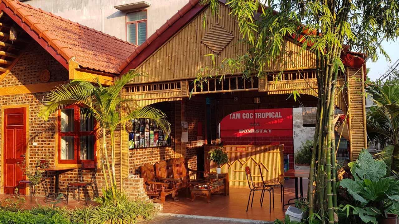 Tropical Homestay với các phòng nghỉ xinh xắn.