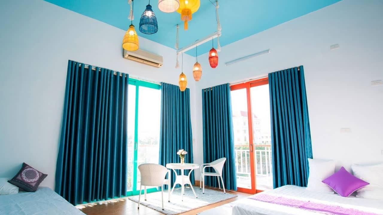 Phòng ngủ được thiết kế đầy tinh tế tại Tràng An Áo Dài Homestay