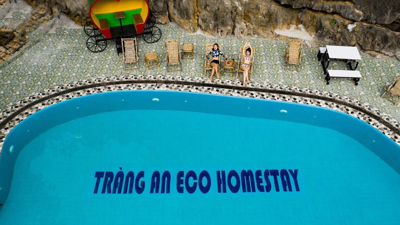 Hồ bơi checkin siêu ảo tại Tràng An Eco Homestay