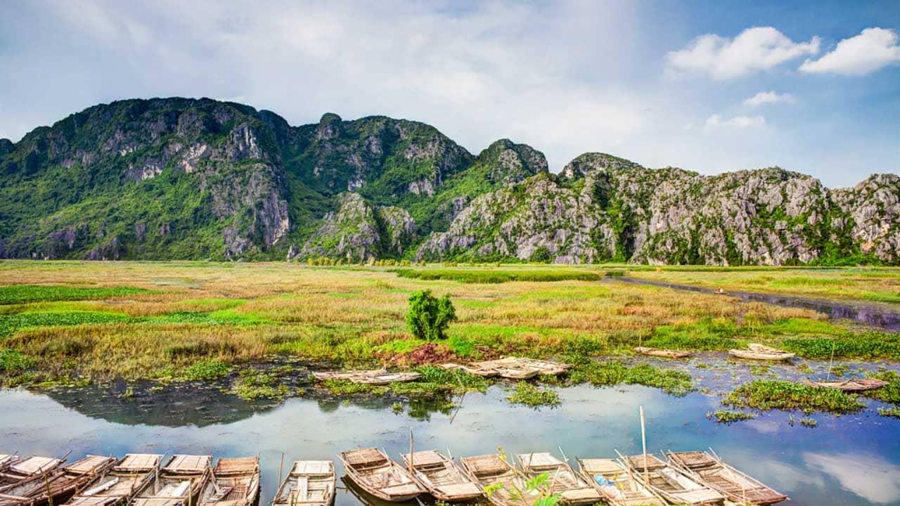 Đầm Vân Long là địa điểm du lịch được ví von như bức tranh phong cảnh hữu tình tuyệt đẹp