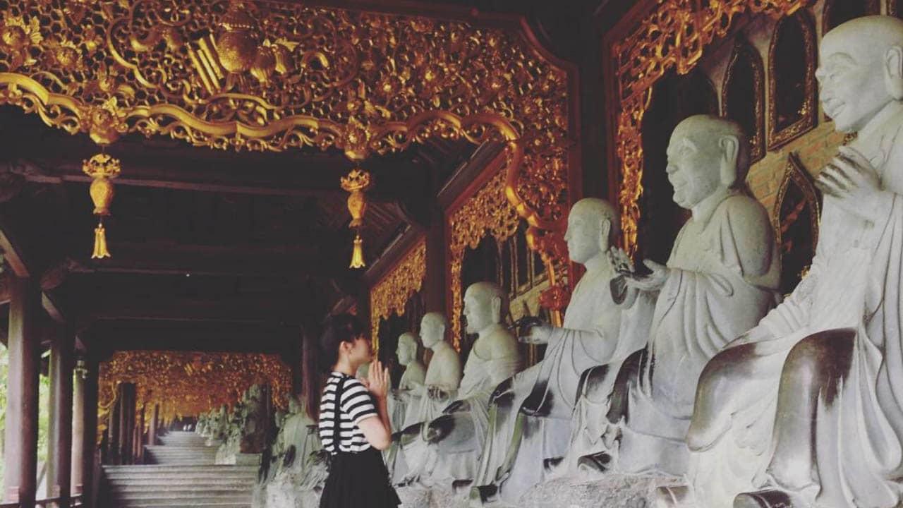 Đi chùa Bái Đính cầu tài lộc, bình an