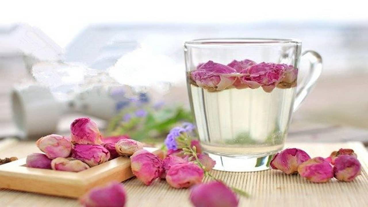 Trà hoa tươi được làm từ những loại hoa tươi nguyên chất.