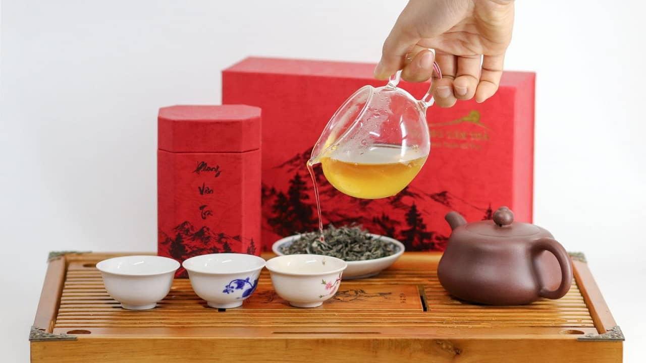 Trà Shan Tuyết dành biếu ông bà, bố mẹ, thầy cô