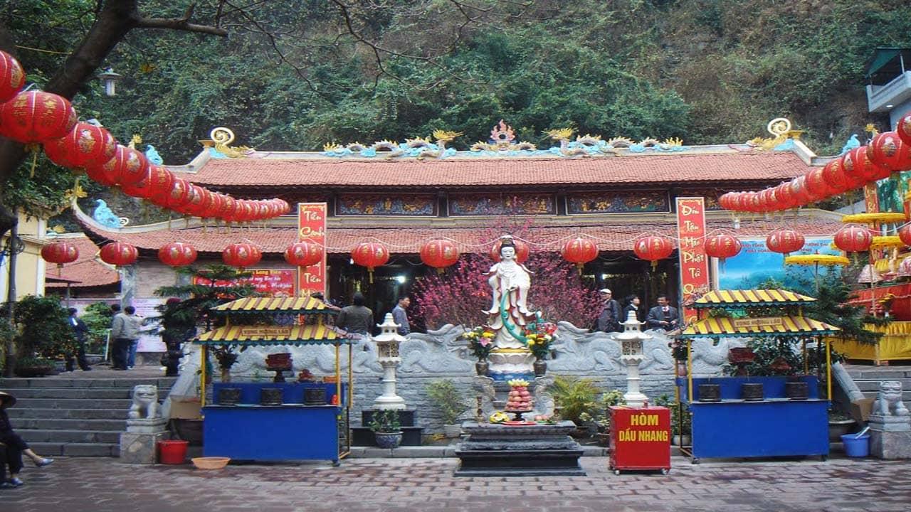 Chùa Long Tiên - chùa lớn nhất Hạ Long